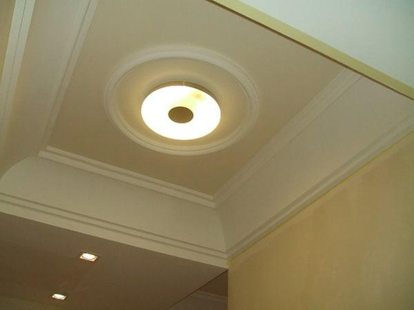Stucchi decorativi cornici in gesso archi carpi maicol - Archi in gesso per interni ...